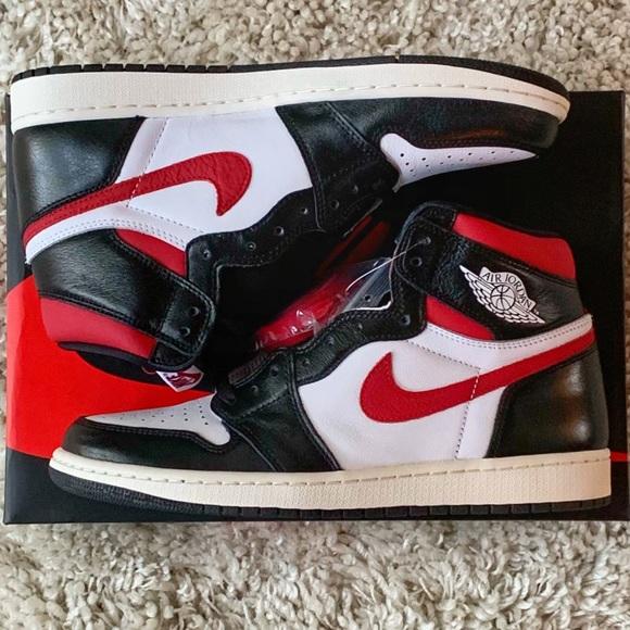 buy online cb2c5 51ee6 Nike Air Jordan 1 Retro Hi 555088-061 10 Gym Red NWT
